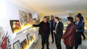 Danimarka Büyükelçisi Olling, Sergi Açılışına Katıldı