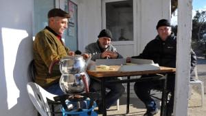 Kışın Köyün Nüfusu 17'ye Düşüyor