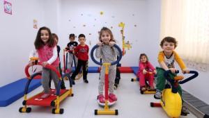 Yenimahalle'nin Çocuklarına Minik Spor Aletleri