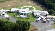 Oyuncu John Travolta'nın Önüne Havaalanı İnşa Ettiği Evinden 18 Kare