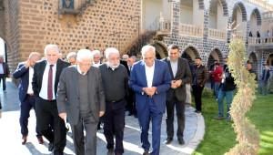 Zülfü Livaneli ve Diyalog Grubu'ndan Ahmet Türk'e Ziyaret