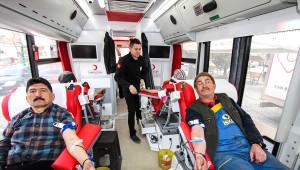 Türk Kızılayı'ndan Anlamlı Kan Bağışı Kampanyası