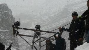 Dicle Elektrik Dağıtım Zorlu Kış Şartlarına Direniyor