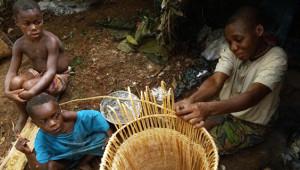 Afrika'da Yaşayan Pigme Kabilesinden 12 Kare