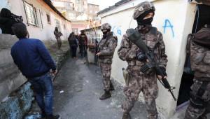 Beyoğlu ve Şişli'de Özel Harekat Polisi Destekli Uyuşturucu Operasyonu