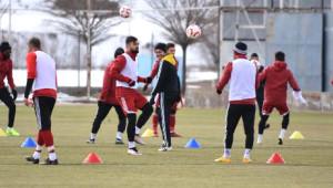Sivasspor Teknik Direktörü Bakkal: