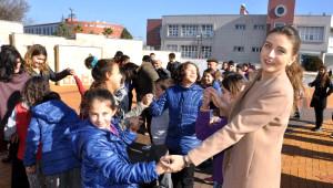 Bir Yumak Mutluluk' Roman Çocukları Isıttı