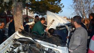 Aşırı Hız Kaza Getirdi: 1 Ölü, 2 Yaralı