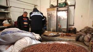 Izmir-Fare ve Böceklerin Gezdiği Ürünleri 'Organik' Diye Satıyorlarmış