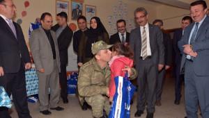 AK Parti Şişli İlçe Teşkilatı Çatak'taki Okullara Yardım Etmeye Devam Ediyor