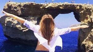 'Malta'da En Çok Ziyaret Edilen 'Mavi Pencere' Sulara Gömüldü
