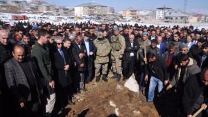 AK Parti'li Başkanın Ağabeyi Toprağa Verildi