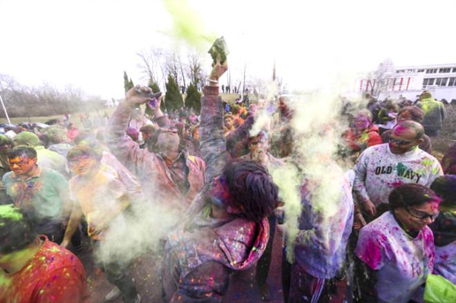Hola Festivali'nden Rengarenk Görüntüler
