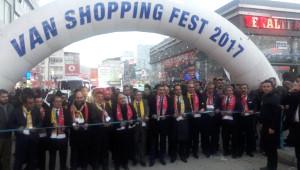 Bakan Tüfenkci 'Shopping Fest'in Açılışını Yaptı