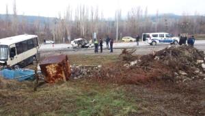 Domaniç'te Kaza: 1 Ölü, 13 Yaralı