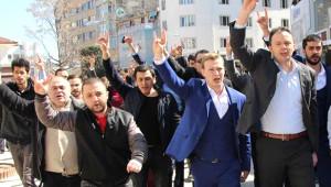Bolu'ya Gelen Ümit Özdağ'ı Ülkücü Grup Protesto Etti