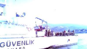 Foça'da Denizde 115 Kaçak Yakalandı