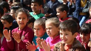 Suriyeli ve Türk Öğrencilerin Uyumu İçin Sirk Gösterisi Düzenlendi