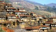 Türkiye'nin Hayalet Köyü Turistlerin Gözdesi Oldu