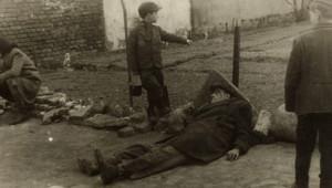 Yahudi Fotoğrafçının Gizlice Çektiği Nazi Vahşetinin Fotoğrafları