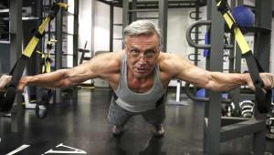76'lık Emekli Fen Bilgisi Öğretmeni 'Rambo'ya Taş Çıkartıyor!