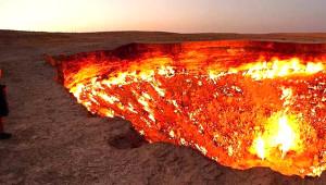 Türkmenistan'ın 'Cehennem Kapısı' 50 Yıldır Hiç Sönmeden Yanıyor