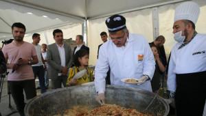 40 Bin Kişilik Türkistan Pilavı ve Hamsi Şöleni Başlıyor