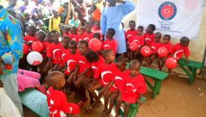 Afrika'da Türk Hekimleri 780 Çocuğu Sünnet Etti