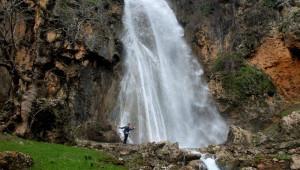 Beytüşşebap'ta Aşırı Yağmur Sonrasında Dev Şelaleler Oluştu