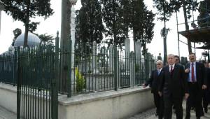 Fotoğraflar// Erdoğan, Fatih Sultan Mehmet ve Yavuz Sultan Selim'in Türbelerini Ziyaret Etti