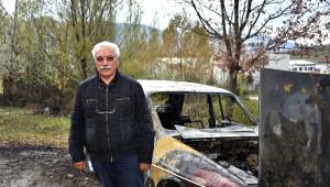Tosya'da Köy İmamı İçeride Oy Kullandı Otomobili Dışarıda Cayır Cayır Yandı