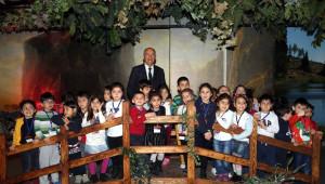 Yenimahalle'den Çocuklara Bayram Hediyesi
