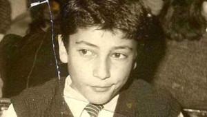 Kenan İmirzalıoğlu'nun Yıllar Önceki Fotoğrafı Ortaya Çıktı!