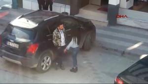 Sivas'ta Sokak Ortasında Genç Kıza Şiddet Kameraya Yansıdı