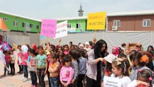 Mehmet Topal, Suriyeli Çocuklar İçin Spor Tesisi Yaptırdı