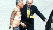 Tayland Kralı, Göbeği Açık Bluzuyla Almanya'da Alışverişe Çıktı