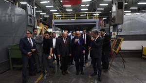 Bakan Müezzinoğlu, 1 Mayıs Dolasıyla Fabrikaları Ziyaret Etti (1)
