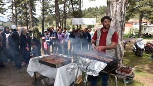 Dursunbey Belediyesinden 'Büyük Aile' Pikniği