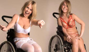 Tekerlekli Sandalyeye Mahkum İsveçli Moha, İç Çamaşır Mankeni Oldu