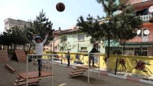 Ilköğretim Okuluna 'Survivor' Parkuru