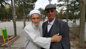 Şehit Kaymakam Safitürk'ün Babası, Halisdemir'in Babası ile Buluştu