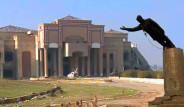 Bir Zamanlar İçinde Saddam'ın Sefa Sürdüğü Saray, Harabeye Döndü