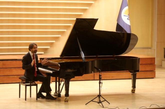 Yazıcı ve Aksu'dan Mersin'de Müzik Şöleni
