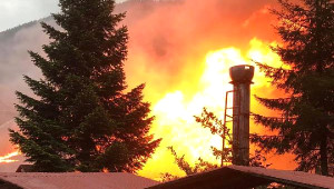 Turizm Merkezi Uzungöl'de Restoran Yangını Korkuttu