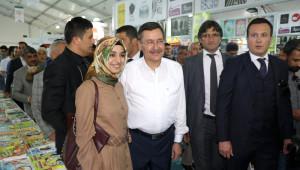 Ankara Büyükşehir Belediye Başkanı Gökçek Malatya'da İmza Gününe Katıldı
