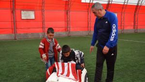 Sivasspor'dan Sevgi Evlerinde Kalan Çocuklara Sürpriz