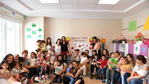 Konyaaltı Belediyesi Kreşi'nde Annelere Sürpriz