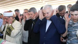 Başbakan Yıldırım Kazada Ölenlerin Cenaze Namazına Katıldı
