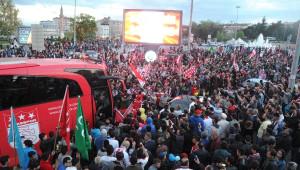 Sivasspor, Süper Lig'i Kentte Tur Atarak Kutladı
