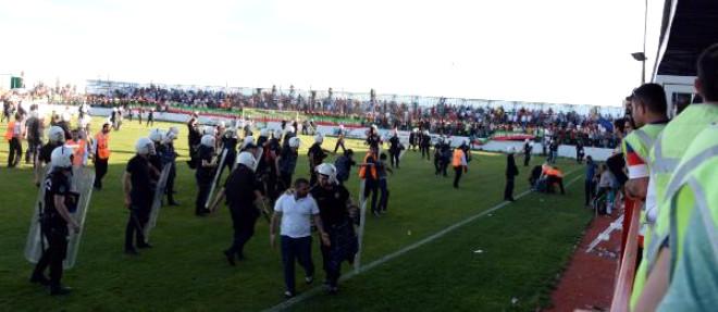 Amed Sportif- Büyükşehir Belediye Erzurumspor Maçı Sonrası Olaylar Çıktı